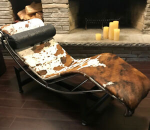 Cowhide leather chaise lounge - Perfect condition!