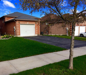 South East Barrie: Rent 4 Bedroom, 2 Washroom, Finished basement