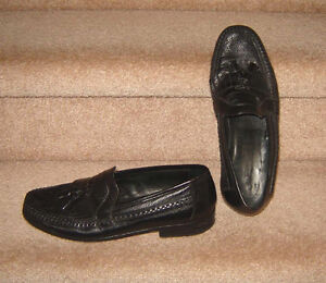 Johnson and Murphy All Leather Dress Shoes - sz 9