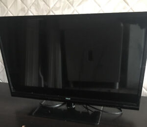 EVERYTHING MUST GO! TV FOR SALE!! $80.00 PRICE IS NEGOTIABLE
