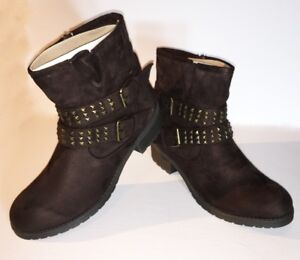 Mark & Maddux Women's Round Toe Ankle Boots, Size 10