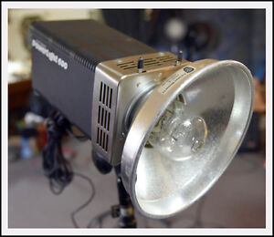 Photogenic Powerlight 600 with 6 light modifiers / extras