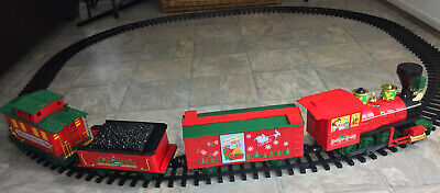 Disney Christmas Mickey Mouse Holiday Magic Train Track Set Battery Operated