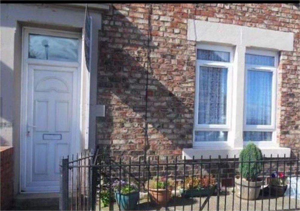 Fantastic 3 Bedroom Upper Flat, Beaconsfield Street, Fenham, Newcastle
