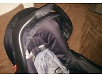Graco mirage baby carrier - car seat for sale. Only 8 months old. Perfect Condition. Hardly used