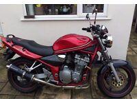 Red Suzuki GSF600 Bandit non faired