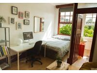 Bright and quiet studio in Dalston/Stoke Newington (july/august/september)