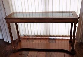 Sofa Table in excellent condition