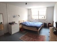 Double room for Couples in Live/Work warehouse 1st Aug
