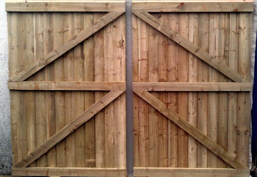 LAWMAC FENCING Manufactures 9 FT Wooden Featheredge Driveway gate Double Gate Heavy Duty £168.00
