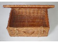 Large rustic rattan storage basket box for picnic, shop display or home decor