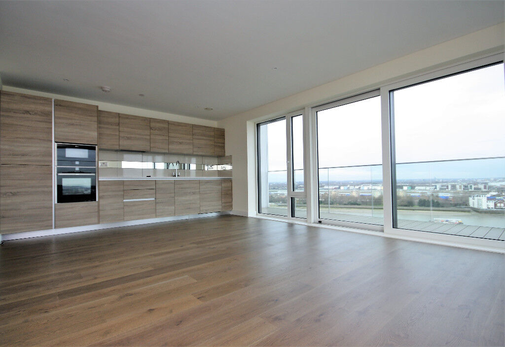 Outstanding 2 bed luxury duplex penthouse with incredible river views in Royal Arsenal