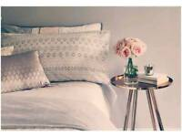 DO YOU HAVE A SPARE ROOM? EARN EXTRA £££ HASSLE-FREE