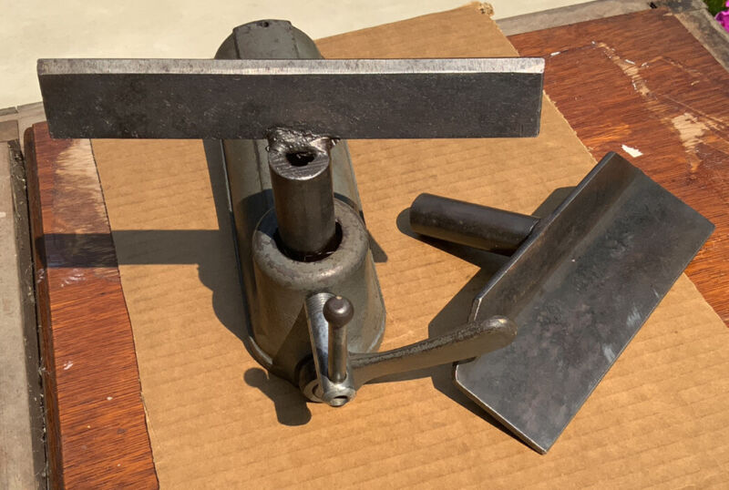 """Delta Milwaukee No. 1460 12"""" Lathe Tool Support Rest Base With 2 Tool Rest  Part"""