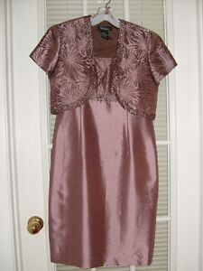Brand New Mother of the Bride/Groom Dress Size 8 (fits like a 6)