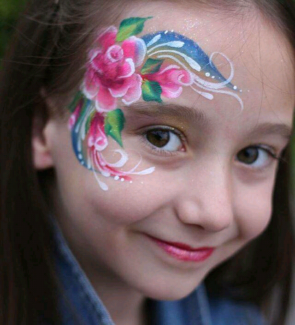 Face painting,balloons twisting,glitter tattoos and henna tattoos