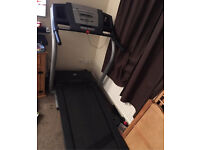 Nordic Track c2000 Motorised treadmill with incline