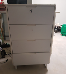 FREE set of white drawers Griffin Pine Rivers Area Preview