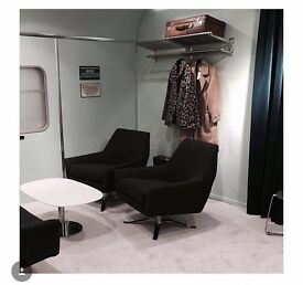 Metal hanging rack for clothes