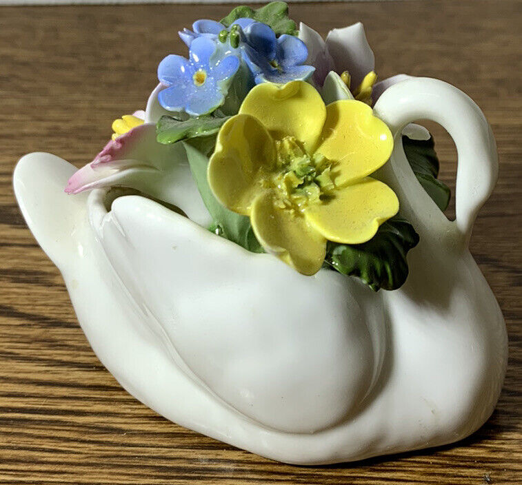 Aynsley England Bone China Hand Painted And Modelled Porcelain Flowers Swan Vase