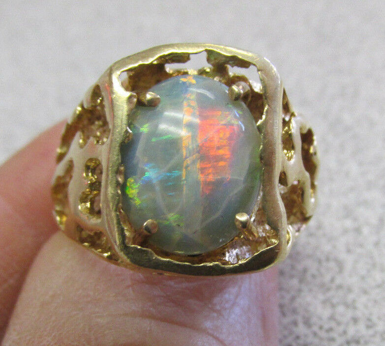 Unisex     14k Gold Opal Ring Size 9     Make Offer