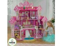 Beautiful well made KidCraft Dolls House with accessories