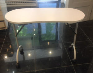 Like New White Manicure Salon Spa Station Table