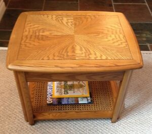 Sklar Peppler Oak End Table -GORGEOUS - Mint Condition-Real Wood Edmonton Edmonton Area image 5