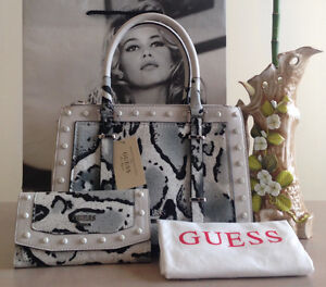 Guess bag w/wallet new w/tags