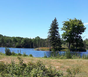 Beautiful 1 acre lake view property!  PID 05066523