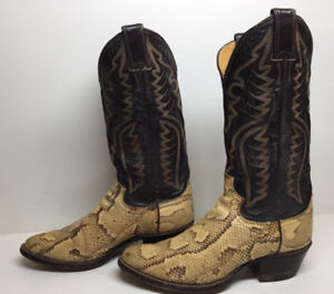 BROWN COLORED SNAKE SKIN COWBOY BOOTS SIZE 10 MINT SHAPE/