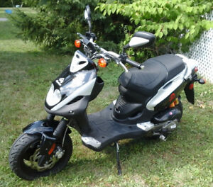 A vendre scooter Pgo pmx50 super impeccable