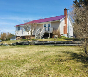 BEAUTIFUL SUNSET VIEWS FROM THIS ADORABLE HOME IN SHEET HARBOUR