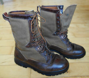 Danner Banff Hiking/Hunting boots in great condition - Size 7.5