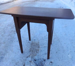 """REDUCED / RARE 1960s Hardwood Table TOP FLIPS UP Sewing? 27"""" Carved Legs / Fits Machine / sturdy Dark Wood"""