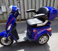 ELECTRIC SCOOTER DAYMAK ONLY 43KM