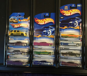 LB029 Hot Wheels Only Cadillac 11 Car Collection Lot NIP