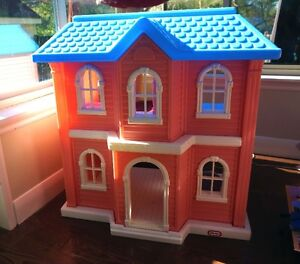 DOLL  HOUSE by LITTLE TIKES LARGE SCALE