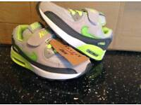 BRAND NEW INFANT/KIDS NIKE AIR MAX TRAINERS SIZES 9.5 & 10.5