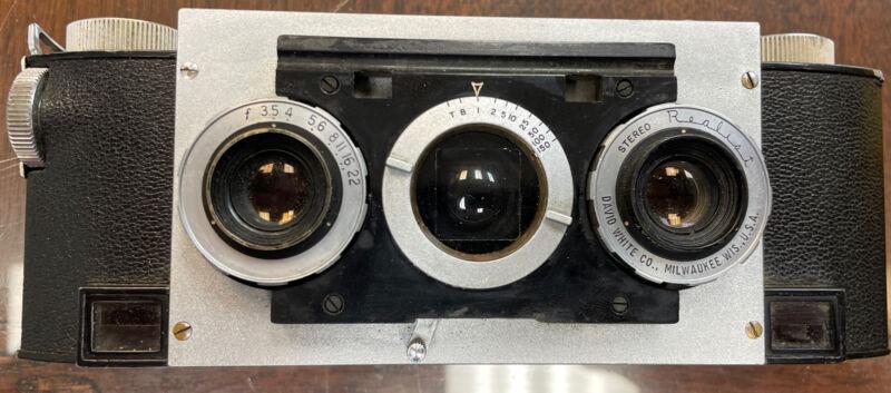 David White Stereo Realist 3D 35mm Film Camera 3.5 Anistigmat Lenses