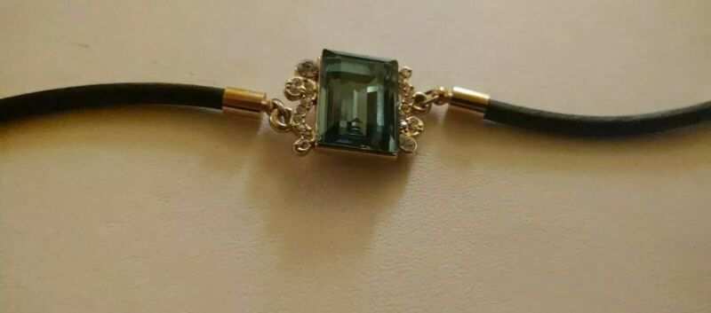 Deco look  Glass Emerald Like Stone Bracelet