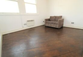 AMAZING VALUE SUPER 2 DOUBLE BEDROOM FLAT NR ZONE 2 TUBE, TRAIN-10 MINS TO KINGS CROSS & 24 HR BUSES