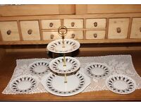 "Paragon ""Symmetra"" cake stand + 4x side plates"