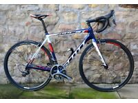 COST £5700. SCOTT ADDICT TEAM ISSUE CARBON ROAD BIKE. ONLY 6.4KG. PRO LEVEL. DURA-ACE. CARBON WHEELS