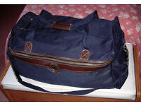 Large Skylite quality holdall/travel bag (used once - as new)