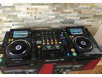 Wanted Pioneer CDJ 2000 NXS2 DJM 900 NXS2