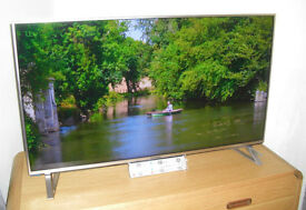 """Panasonic 40DX700B LED HDR 4K Ultra HD 40"""" Smart TV Freeview Play Built-In Wi-Fi & Art Of Interior"""
