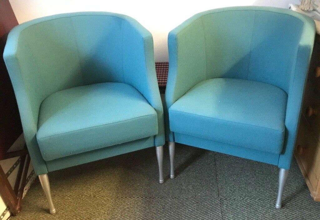 Pair of modern curved back casual chairs : casual chairs - lorbestier.org