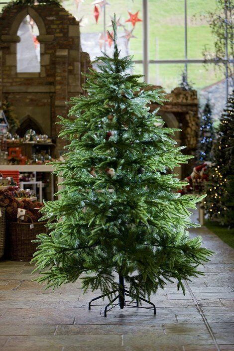 Luxury Realistic Artificial Christmas Tree 6ft 100% PE life like NEW -  collection only