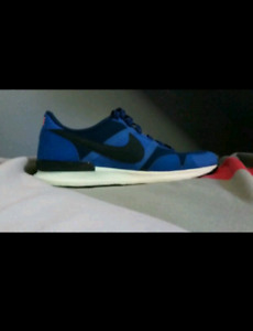 Size 9.5 Nike Air beaters